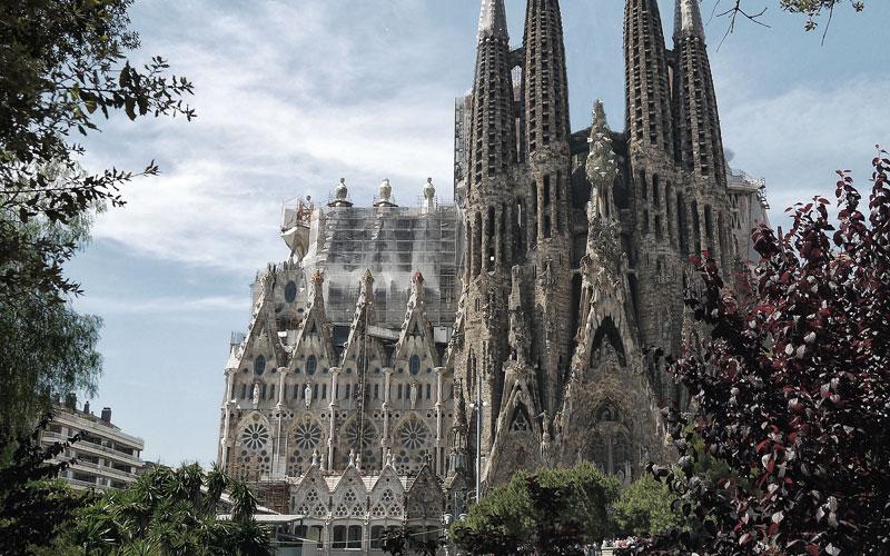 Barcelona hat viel zu bieten - die Sagrada Famoília ist einer der berühmtesten Sehenswürdigkeiten