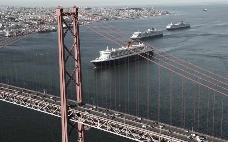 Der Schornstein auf den drei Cunard Schiffen ist von weitem erkennbar