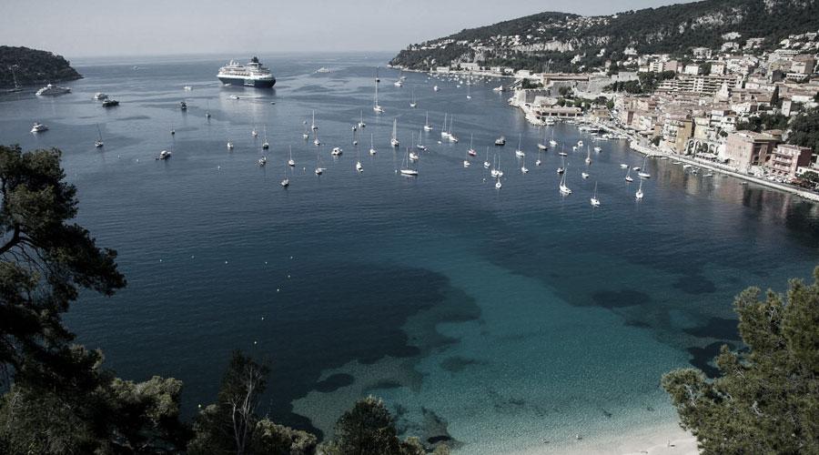 Die MS Sovereign von Pullmantur Cruises ist Drehort zweier Netflix-Filme